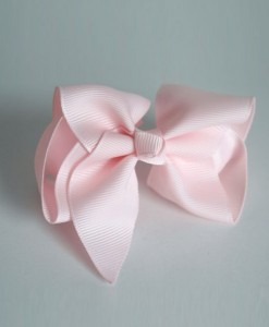 baby pink classic bow
